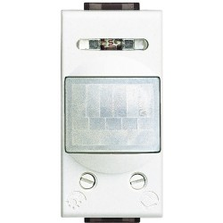 interrupteur automatique infrarouge 1 module livinglight blanc