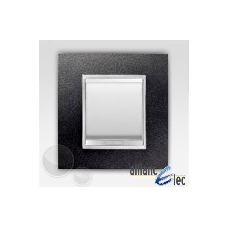 interrupteur 2 modules lux cuir noir sur blanc complet. Black Bedroom Furniture Sets. Home Design Ideas