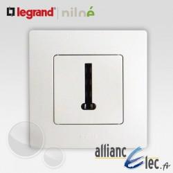 Prise de telephone en T Legrand Niloe Pur Blanc